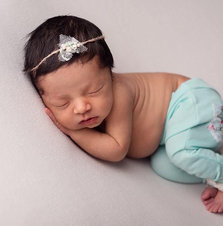 Zoe, en su book de recien nacida